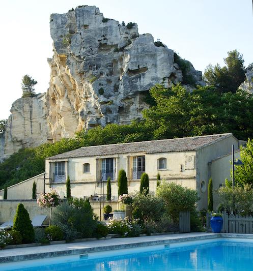 Oustau_vue-avec-piscine_Jean-Pierre-Gabriel
